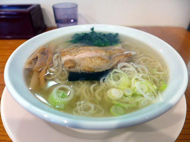 新宿・めんや 風花 本店@03炭火焼地鶏塩らーめん 1