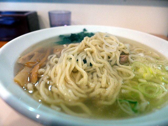 新宿・めんや 風花 本店@03炭火焼地鶏塩らーめん 3