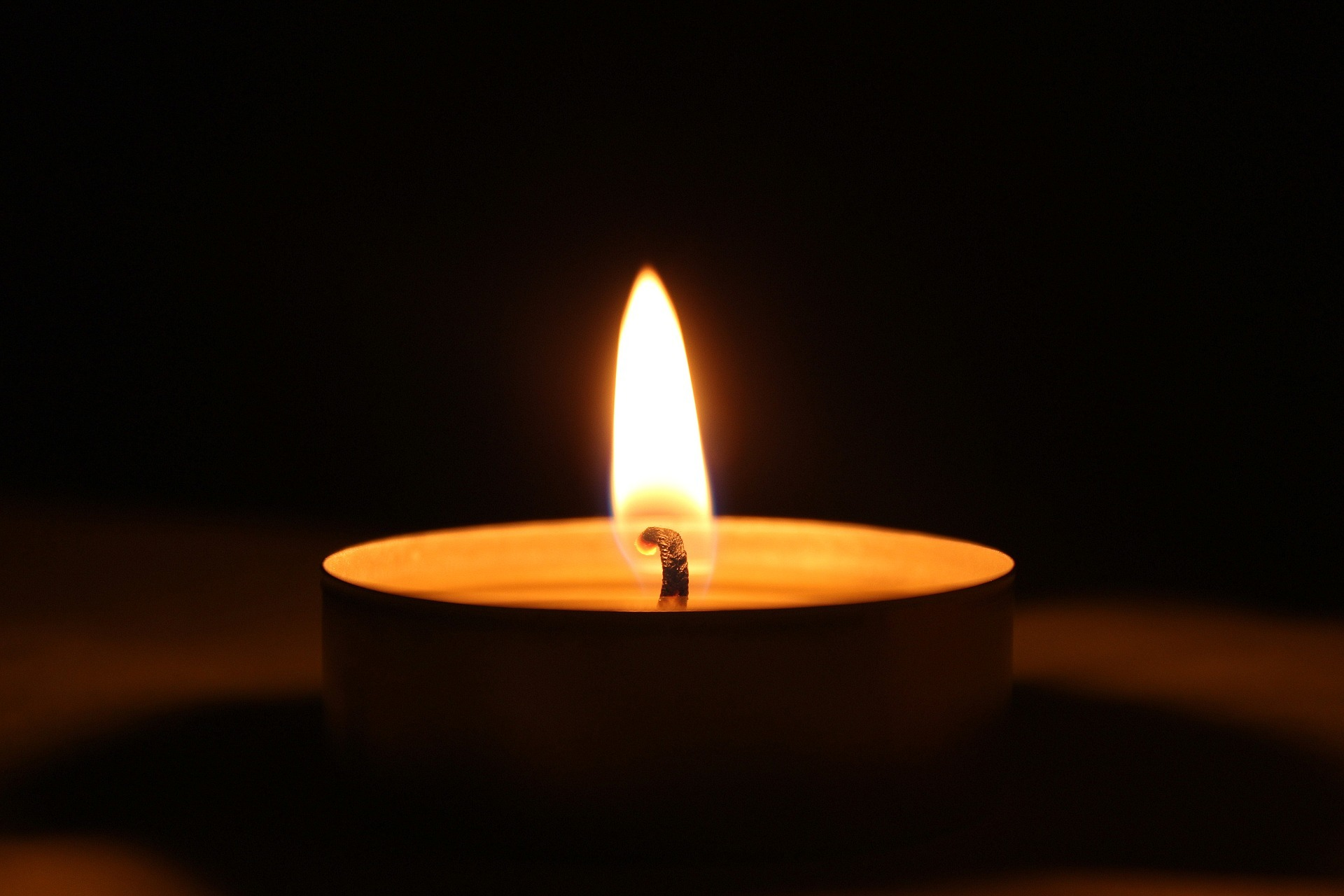 candle-3056195_1920.jpg