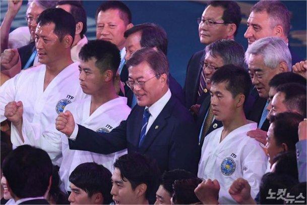 【韓国】ムン大統領「南北合同チームを見て世界が感動するだろう」