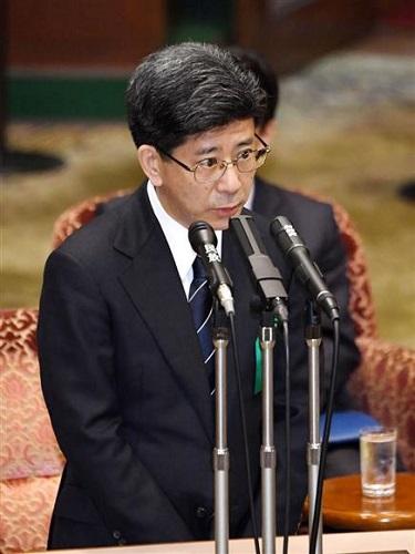 参院予算委の証人喚問で証言する佐川宣寿前国税庁長官=27日午前9時48分