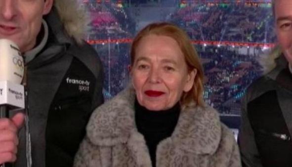 写真で真ん中の人物がフランス2TVの解説者・マーティン・フロスト教授マーティン・フロスト教授。オンラインコミュニティ