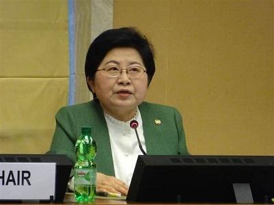 2月22日、ジュネーブで開かれた国連女子差別撤廃委員会で演説する鄭鉉栢・女性家族相