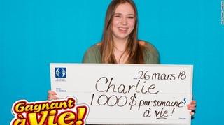 【初購入の宝くじ】18歳女性、毎週1000ドルを一生もらえる!