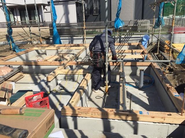 埼玉県、川口市、鳩ケ谷、木造3階建て、モダン、狭小住宅、建て方工事