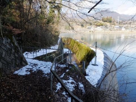 大野調整池余水路施設