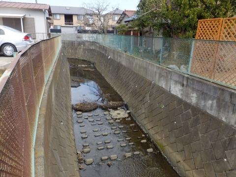 滝川・柄沢橋付近