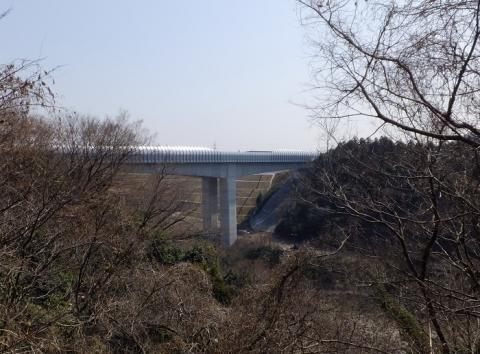 相模川を渡る圏央道