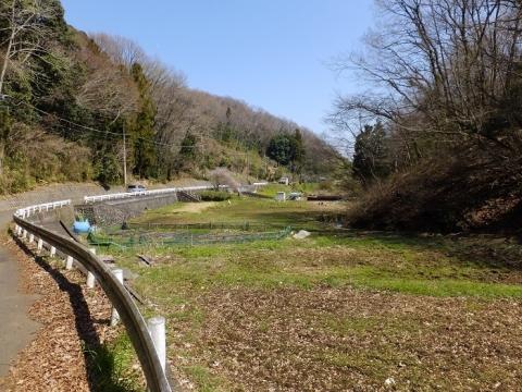 穴川が流れる谷戸田の風景