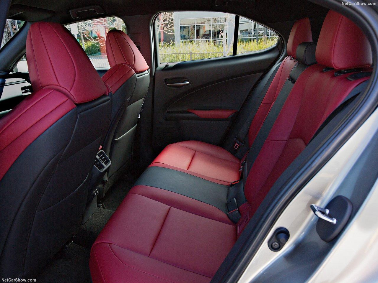 Lexus-UX-2019-1280-3d.jpg