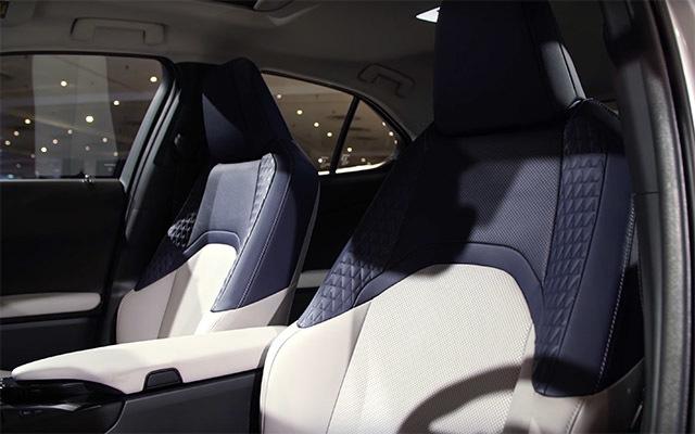 LexusUX02_20180331000521003.jpg
