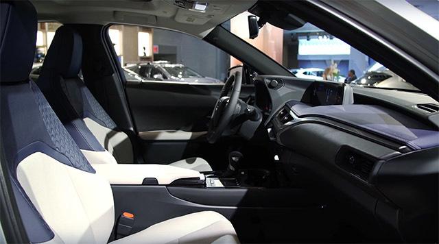 LexusUX03_2018033100052324c.jpg