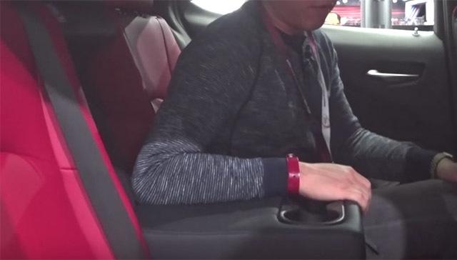 LexusUX04_20180331000524347.jpg