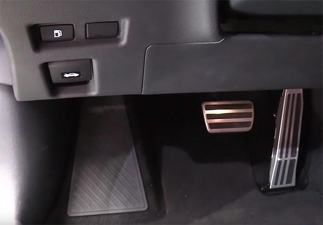 LexusUX07_20180331000529444.jpg