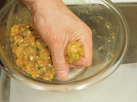 アジのつみれと豚肉の味噌鍋045