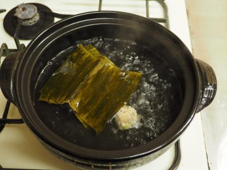 アジのつみれと豚肉の味噌鍋050