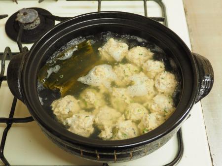 アジのつみれと豚肉の味噌鍋051
