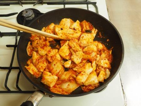 チーズタッカルビ風キムチ鍋113