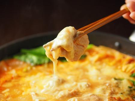 チーズタッカルビ風キムチ鍋060
