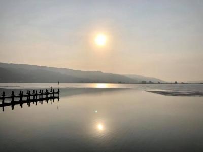 諏訪湖 朝日