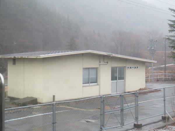 信濃川島駅