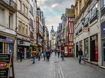 street-europe-people-walk.jpg