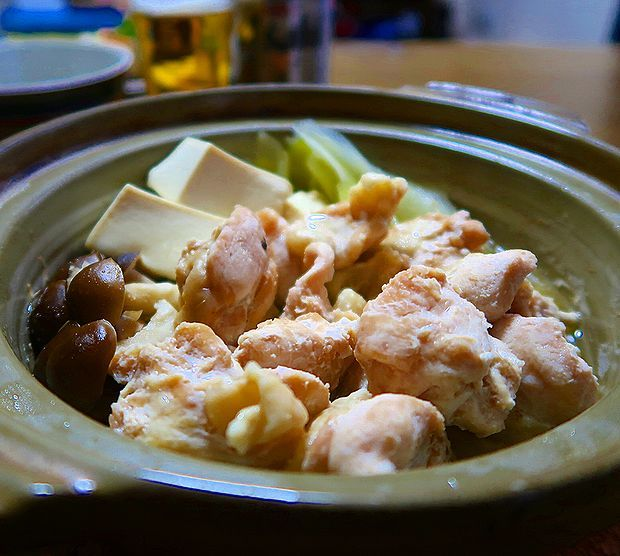 鶏肩肉の酒蒸し小鍋①