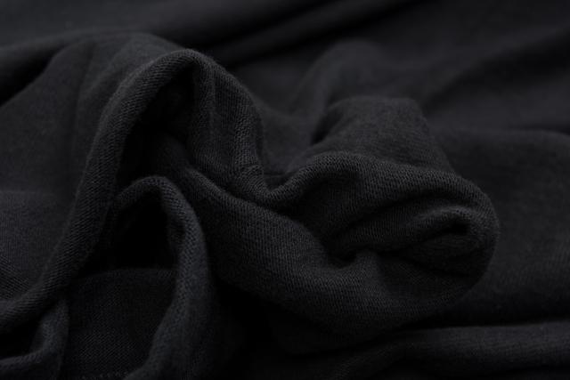 春 メンズ 黒 服 30 40代 コーディネート