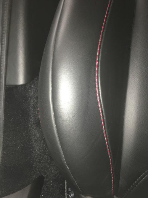 レザーシート 擦れ補修 アストンマーティン V12ヴァンテージ