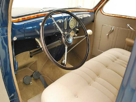 1937-lincoln-zephyr-steering-wheel.jpg