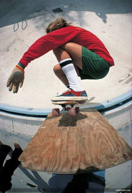 Tony Alva 1977 (Photo by Warren Bolster)07aeab2a0adda1ac634d3f8730e19152--vintage-skateboards-z-boys-dogtown