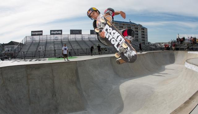 alex_sorgente_skate_bowl_practice_ocean_city_dew_tour-1-display_2018032522455057f.jpg