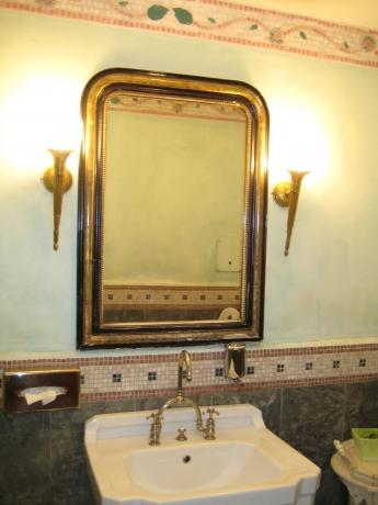 ホテルモンブランの男子トイレ3