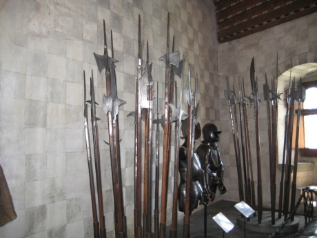 シヨン城の武器