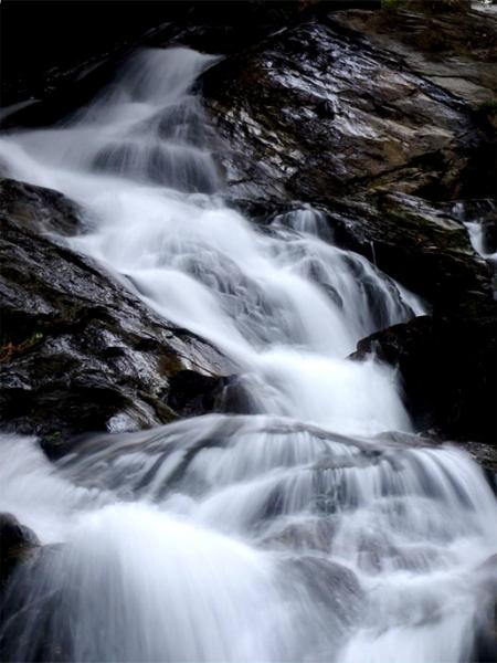 滝アップ02