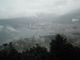 山頂から尾鷲湾180316