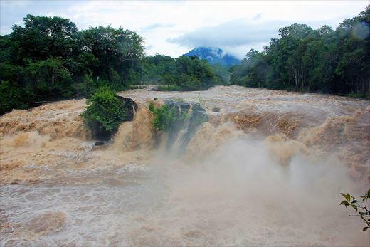 Cataratas-Tad-Hang-Laos_20180402211320d71.jpg