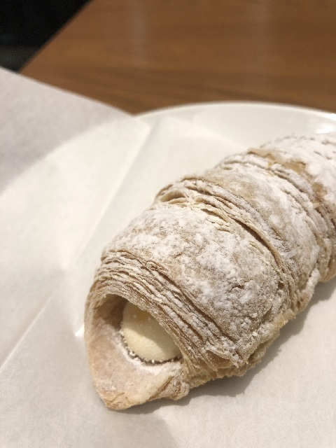 スターバックスコーヒージャパン ロールパイ(カスタードクリーム)