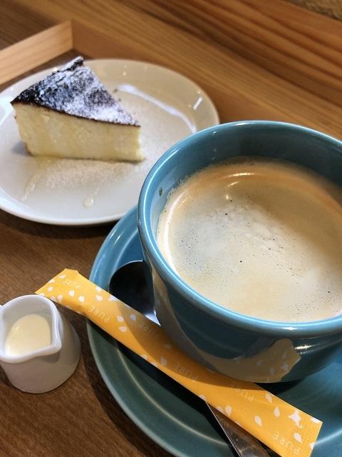 ファーマーズ ダイニングカフェ イロドリ バスク風ベイクドチーズケーキ