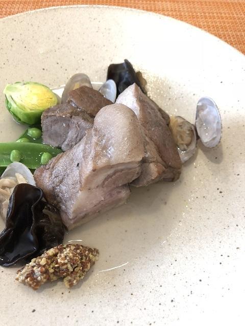 イタリアンフレンチ レコルト 庄内こめ豚のブレゼ あさりのスープで