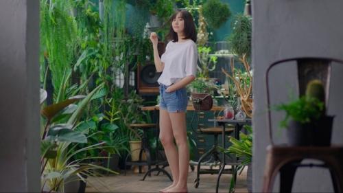 新垣結衣ショートパンツで美脚披露!