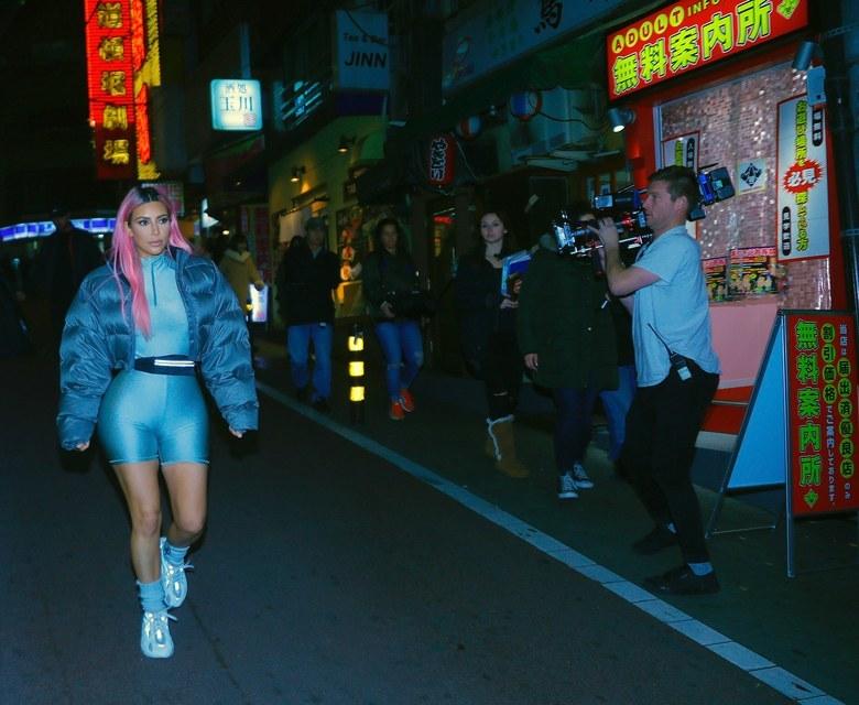 kim-karadashian-yeezy-tokyo-2.jpg
