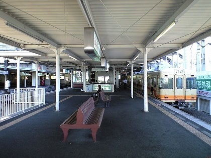 松山市駅10