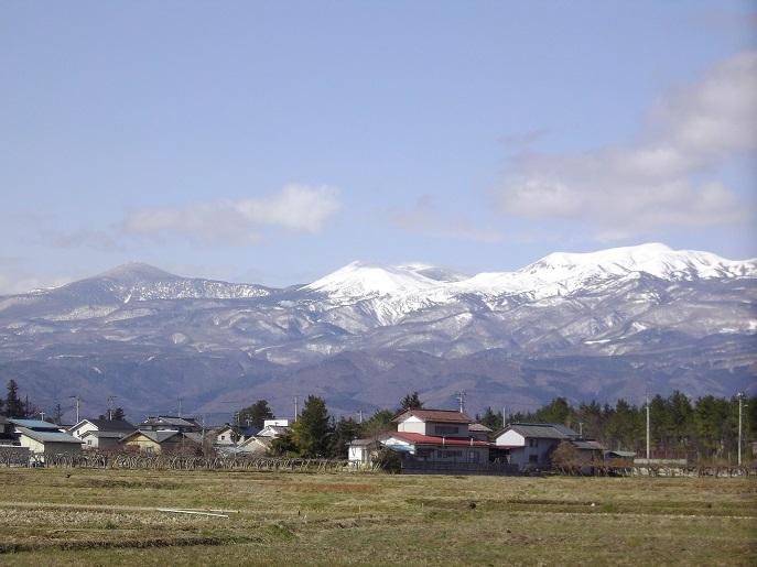 吾妻連峰の残雪
