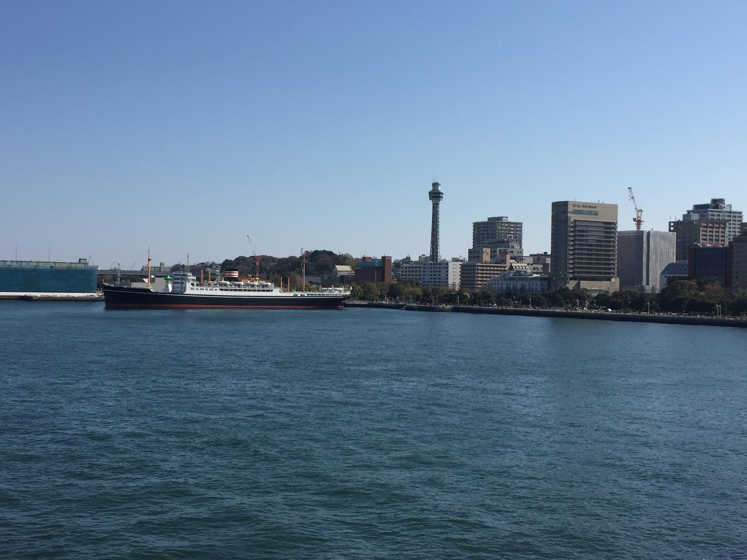 8マリンタワーと氷川丸