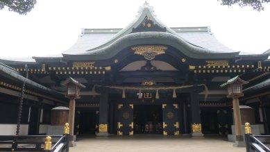 穴八幡・拝殿