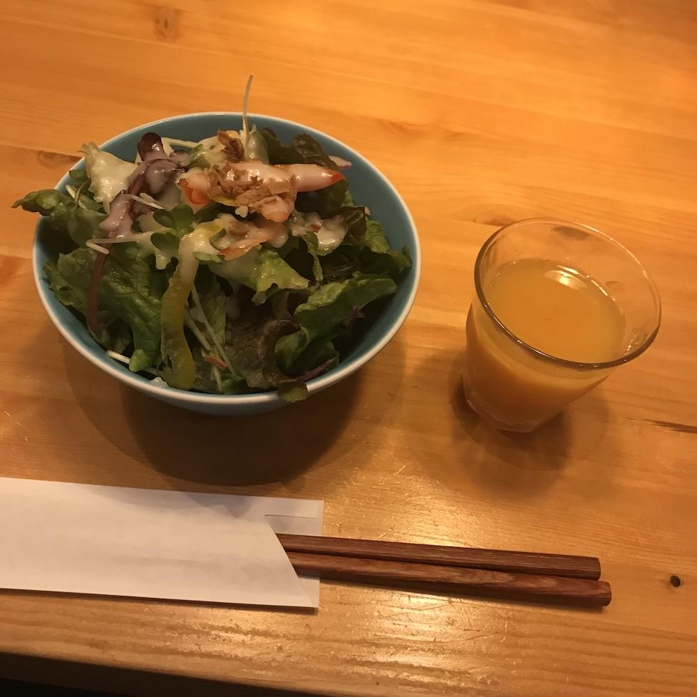 山本のハンバーグサラダ