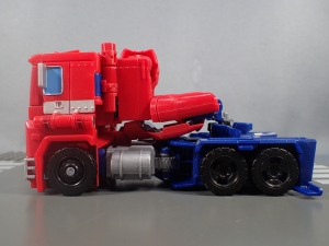 Transformers Generations Power of the Primes Leader Evolution Optimus Prime Orion Pax (9)