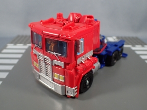 Transformers Generations Power of the Primes Leader Evolution Optimus Prime Orion Pax (4)
