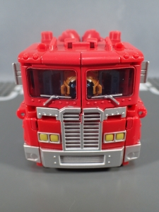 Transformers Generations Power of the Primes Leader Evolution Optimus Prime Orion Pax (7)